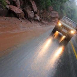解封的道路仍有部分泥石流情況