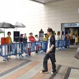 澳門可能是內地豪賭客第一站,但肯定不是惟一一站。在高碼佣、高回扣下,近年更多沓碼仔轉介豪客到新加坡。