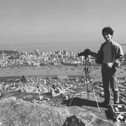 1986 從這年開始,漢哥差不多每月都到灣仔山拍攝澳門,當時在遠處的氹仔還未被「大開發」