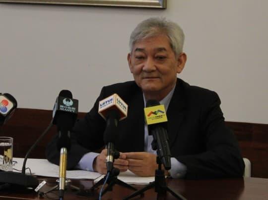 第四屆立法會主席劉焯華形容自己「無功都有勞」,對三十年議會工作感到「無悔亦無憾」