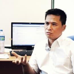 香港教育學院社會科學系教授及系主任盧兆興