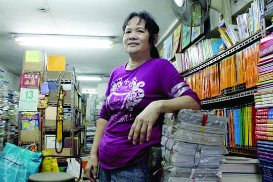 舊書百貨這些年來由何姑娘一手打理,井然有序,收集到的書達十多萬本