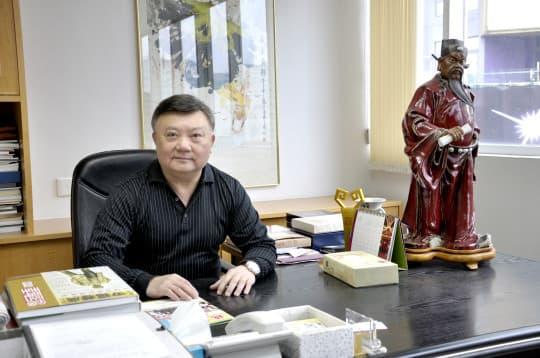 胡順謙每年都會帶頭捐款,據了解,他已捐出了七、八個億。