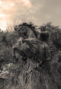 現位於葡國的亞馬喇銅馬像
