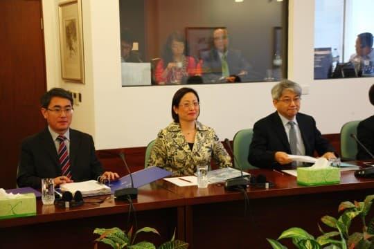 IMG_6700政府代表列席三常會的細則審議「醫療事故法」法案會議。