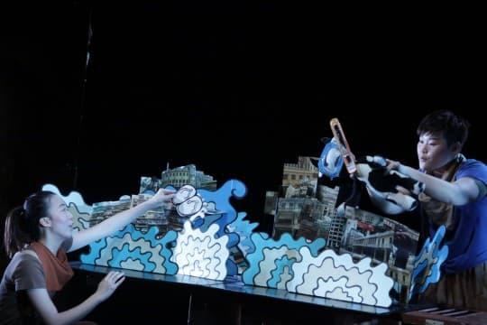 「水浸街」巨型立體書以幽默手法表現澳門淹水問題(照片由足跡提供)