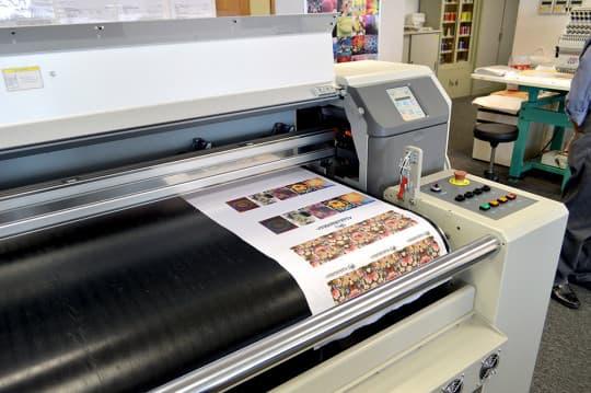 近年國際大牌弟紛紛採用的數碼印布技術,中心亦有提供。