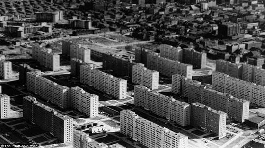 Pruitt-Igoe 公屋(攝:Fred Mazelis圖片來源:World Socialist Website)