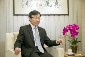 譚俊榮自言,光明磊落、堂堂正正,見記者從來未驚過。