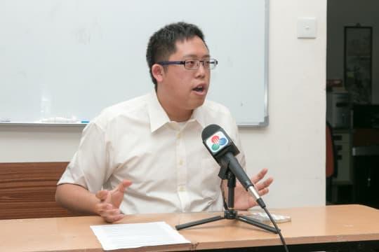 周庭希認為校方以「私人生活」為由拒絕記者採訪有違常理。