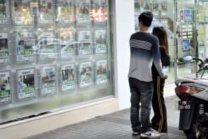 近年經濟下滑,雖未有重挫樓價,仍對地產業界帶來不少衝擊。