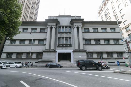 澳門缺乏中型演出和排練場地,南灣舊法院轉作臨時劇場後預約一直爆滿。