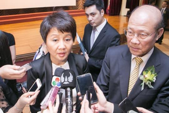 澳博執行董事梁安琪(左)、澳博董事蘇樹輝(右)