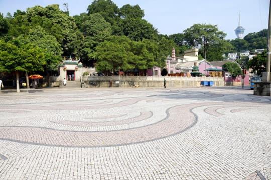 媽閣廟外昔日為一片灘塗,現已是一片陸地 (相片由陳逸峰提供)