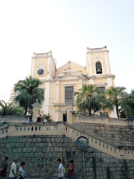 聖老楞佐堂,又名風順堂,澳門三大古教堂之一