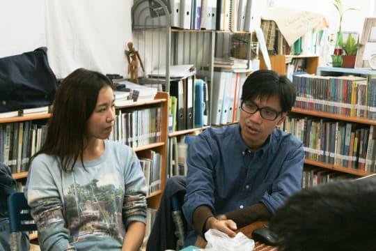 《大世界娛樂場》導演莫兆忠(右),澳門演員梁建婷