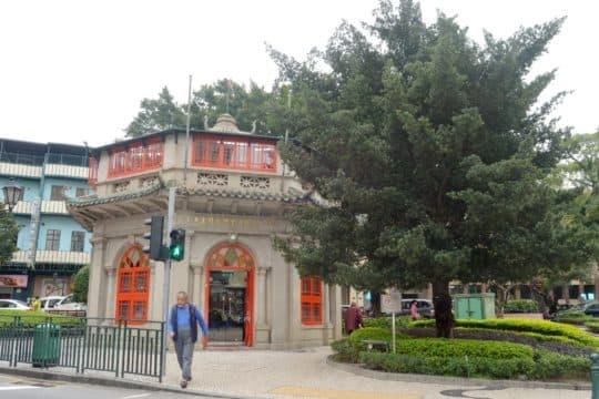 李展鵬認為文物建築再利用首要親民,八角亭是一個成功的例子。
