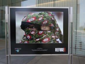加州的Annenberg Space for Photography 今年夏天以「難民」為題,展出一系列相片