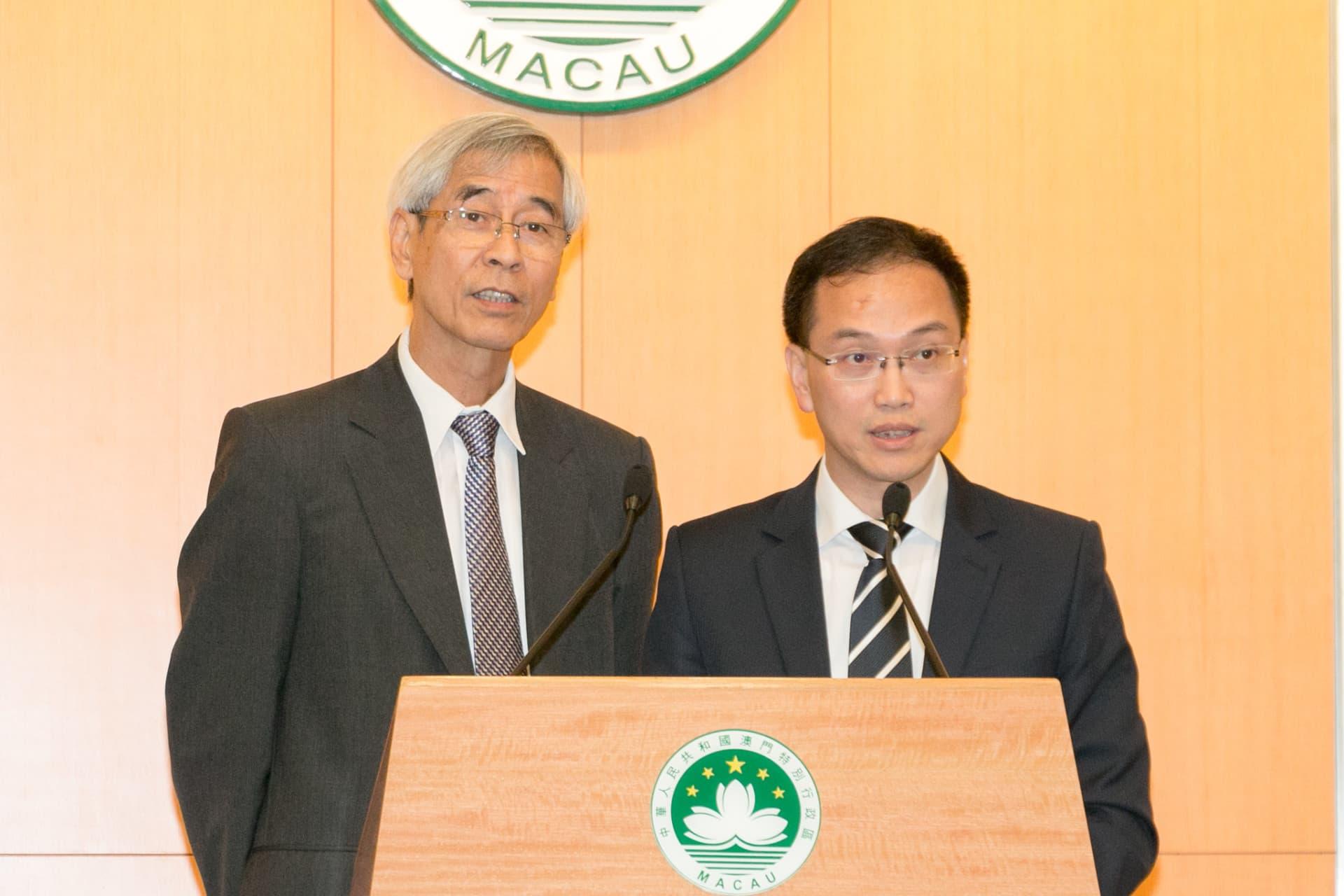 行政會發言人梁慶庭(圖左)、行政公職局局長高炳坤(圖右)