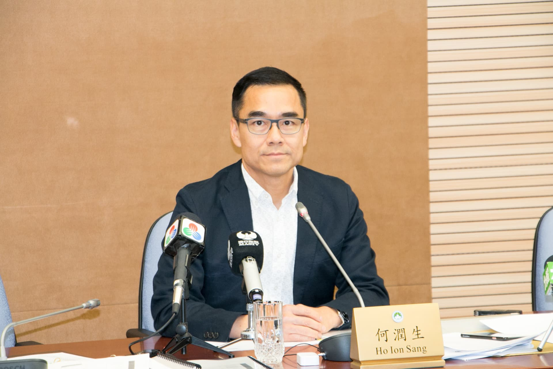 立法會土地及公共批給事務跟進委員會主席何潤生