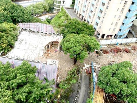 政府為建山頂傳染病大樓,先後拆毁了具特色的近百年歷史建築,山頂醫院倉庫建築及戒毒綜合服務中心。