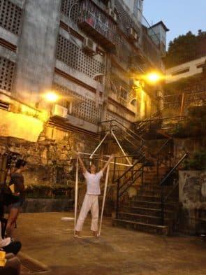 《鬆緊帶》在沙梨頭石梯中進行。