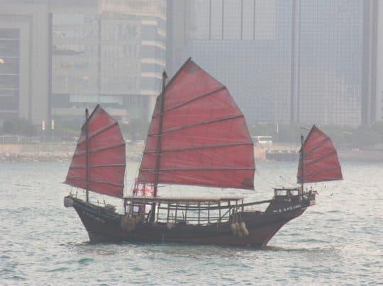 香港的「鴨靈號」原本是一艘漁船,約於1950年代在澳門建造。(網上圖片)