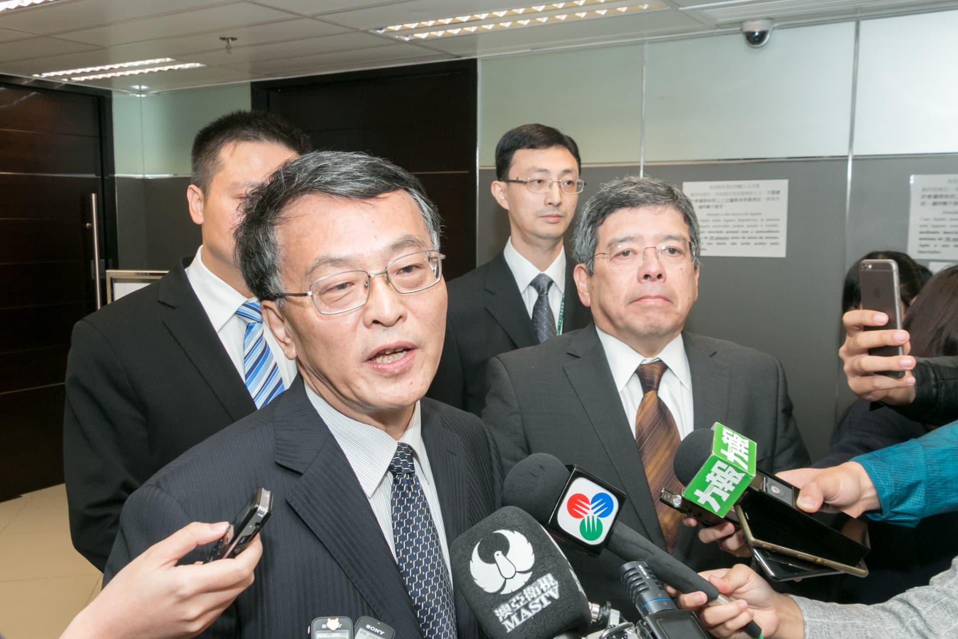 政研室首席顧問米健(圖左)、運輸工務司司長羅立文(圖右)