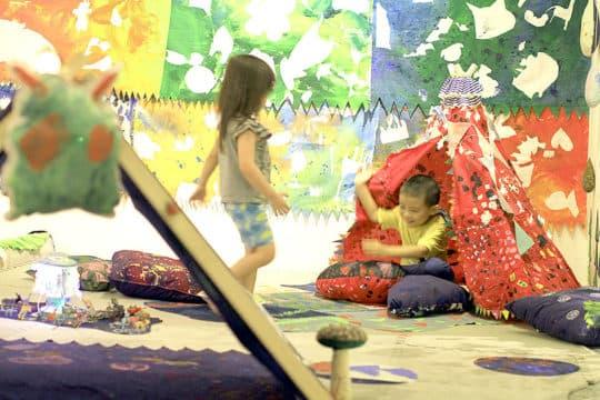 牛房倉庫地下大倉展覽空間。2015年,兒童藝術樂園。