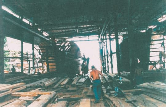 事實上,荔枝碗與造船業的事件只是「對抗遺忘」的事件之一。在澳門,還有漁民,還有舞醉龍;還有土生葡人,還有土生土語⋯⋯還有各個具保留價值的建築,各項珍貴的非物質文化遺產,都正努力「對抗遺忘」。