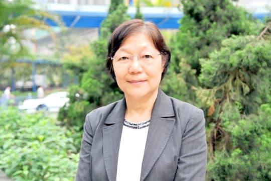立法會直選議員關翠杏。