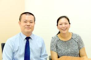 公民一心建澳促進會第1候選人洪榮坤 (左) 第2候選人張帆 (右) 。