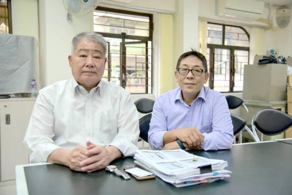 西菜麵飽公會前理事長、現任常務理事梁全(左),現任理事長謝志威。