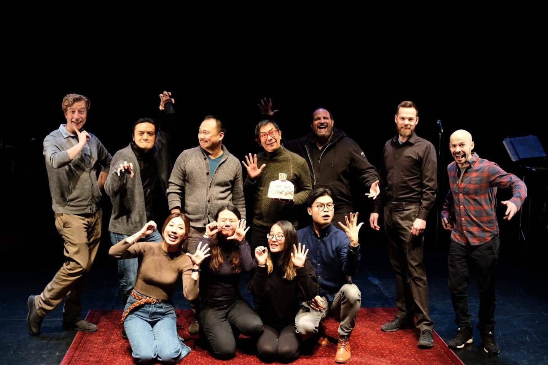 《時先生與他的情人》加拿大製作團隊。後排左二為阿佐。(受訪者提供)