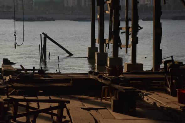 《匠木浮城》是根據老船匠的真人真事,把他們與船廠的故事以輕鬆幽默的方式呈現給觀眾
