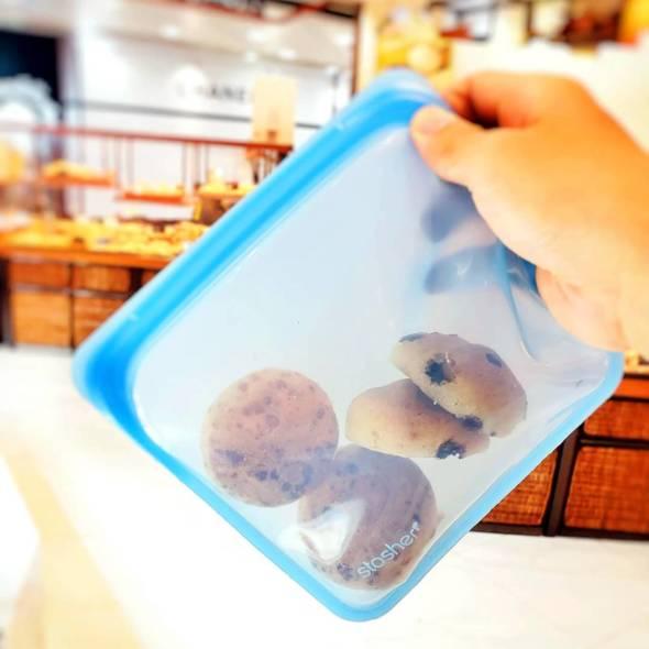 食物袋本身可以摺疊、可以清洗,亦可以承載乾濕、冷熱食物。