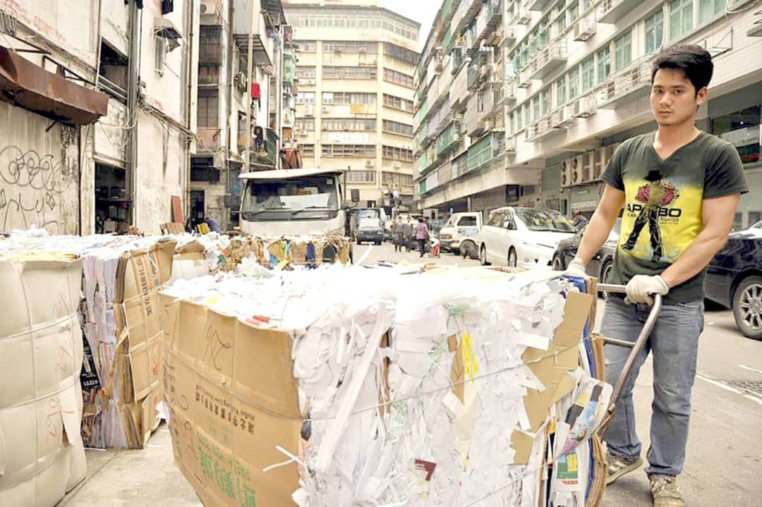 傳新澳門協會理事長林宇滔指出,本澳的固體廢棄物面對著十分嚴峻的情況,例如塑膠垃圾,每年塑膠的回收量都不及一日的廢棄量多,明顯反映出本澳的資源回收是嚴重滯後。
