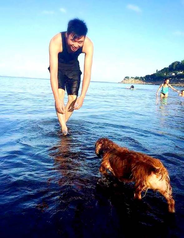 包文俊表示,其實狗狗都會希望與我們一起接觸不同的環境和人,現時許多海濱公園及大型公園均適合帶小朋友和狗狗一起去玩,可惜的是主人除了自駕,想帶寵物乘搭交通工具,可謂難上加難。