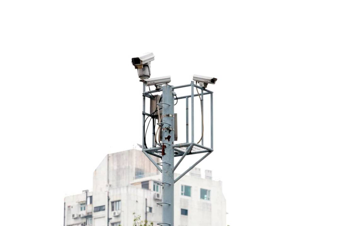 計劃於2020年前分四階段安裝1620支鏡頭。