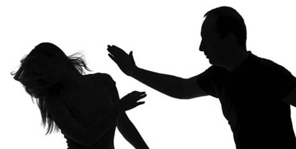 有曾為受暴婦女提供法律意見的律師表示,受害人報案那刻心裏背負着的,是很沉重的傷害。