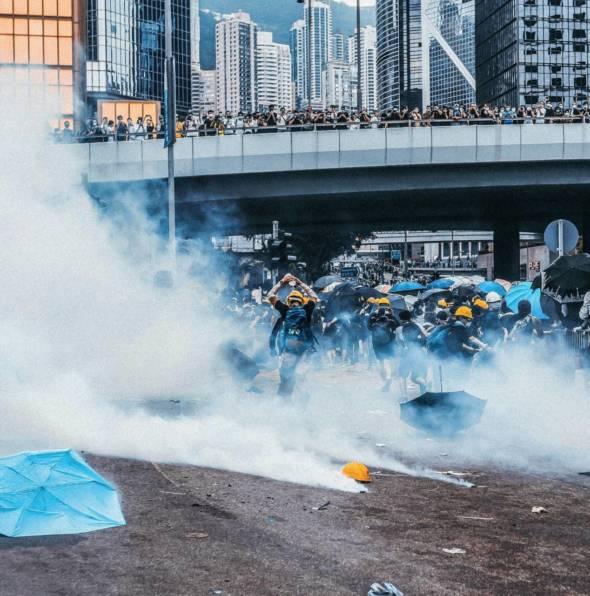 香港政府強硬修訂《逃犯條例》最終演變成國際事件。