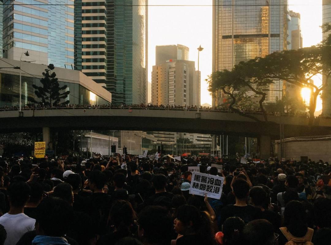示威遊行就是一次很好的民主討論,沒有世代之分。(圖片由作者提供)