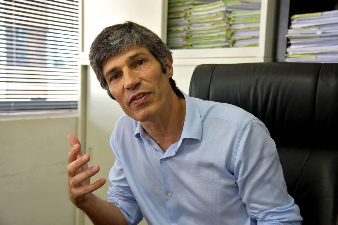 律師何睿智(Jorge Menezes)直言,以現時法案條款的行文如此含糊,政府要成功將市民入罪非常容易,但市民要脫罪則非常困難。