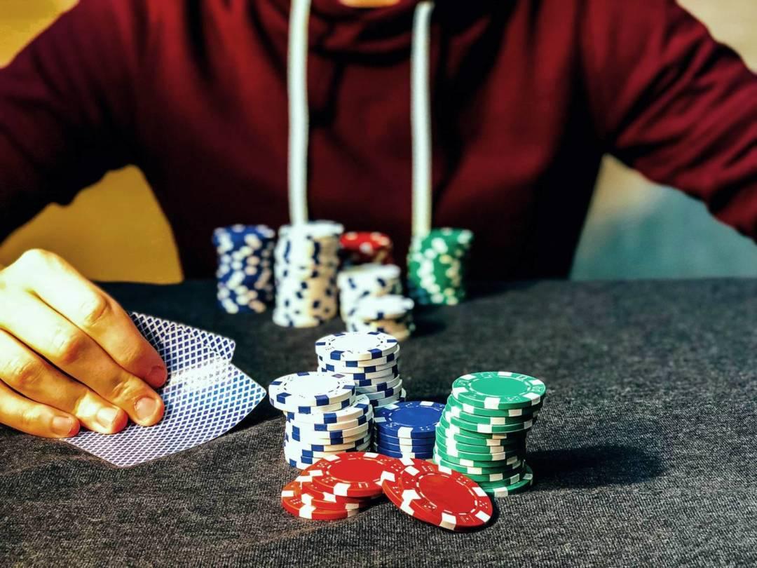 有外國研究發現,與傳統線下賭博相比,網上賭博更易上癮。