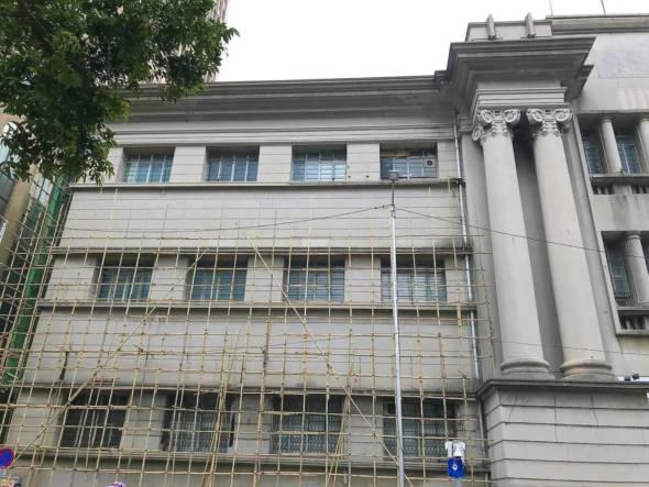 舊法院改建成中央圖書館的爭議。