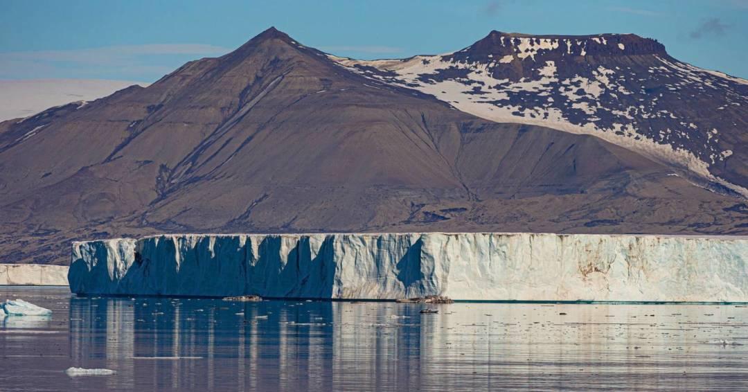海上浮冰。