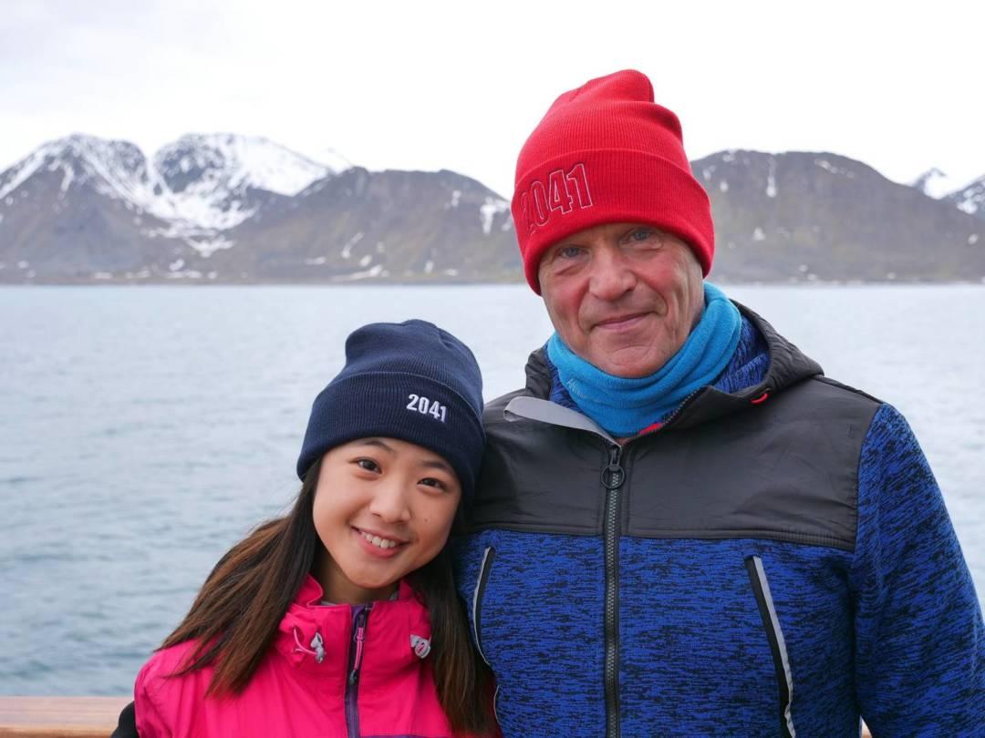 馬梓林(左)與史上首位徒步至南北兩極點探險家、「二〇四一」創始人Robert Swan(右)合照。
