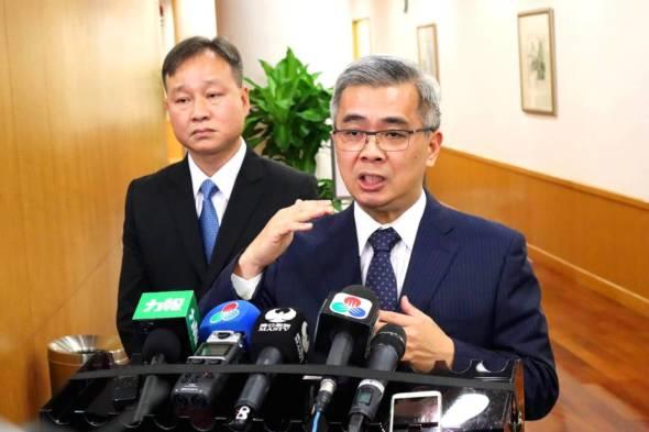 黃少澤最近曾表示,非常崇敬香港警方。