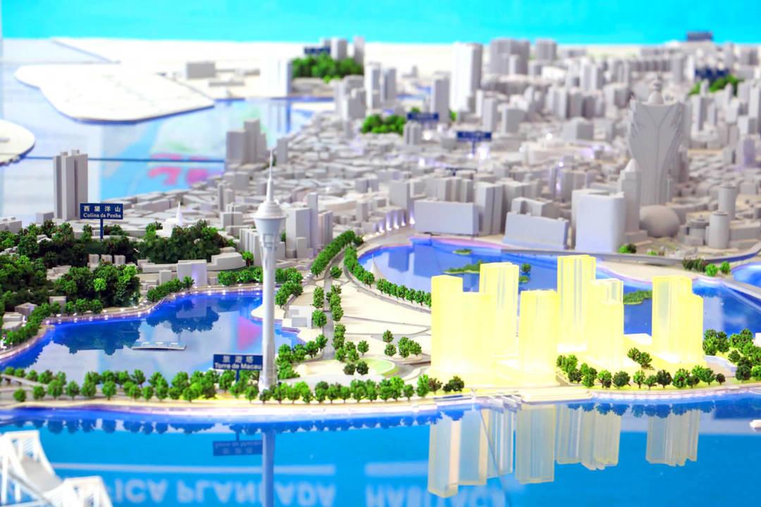 陳德勝出席時事節目時就指出,在未有編製澳門城市總體規劃等出台前就成立都更公司,可能是浪費公帑。