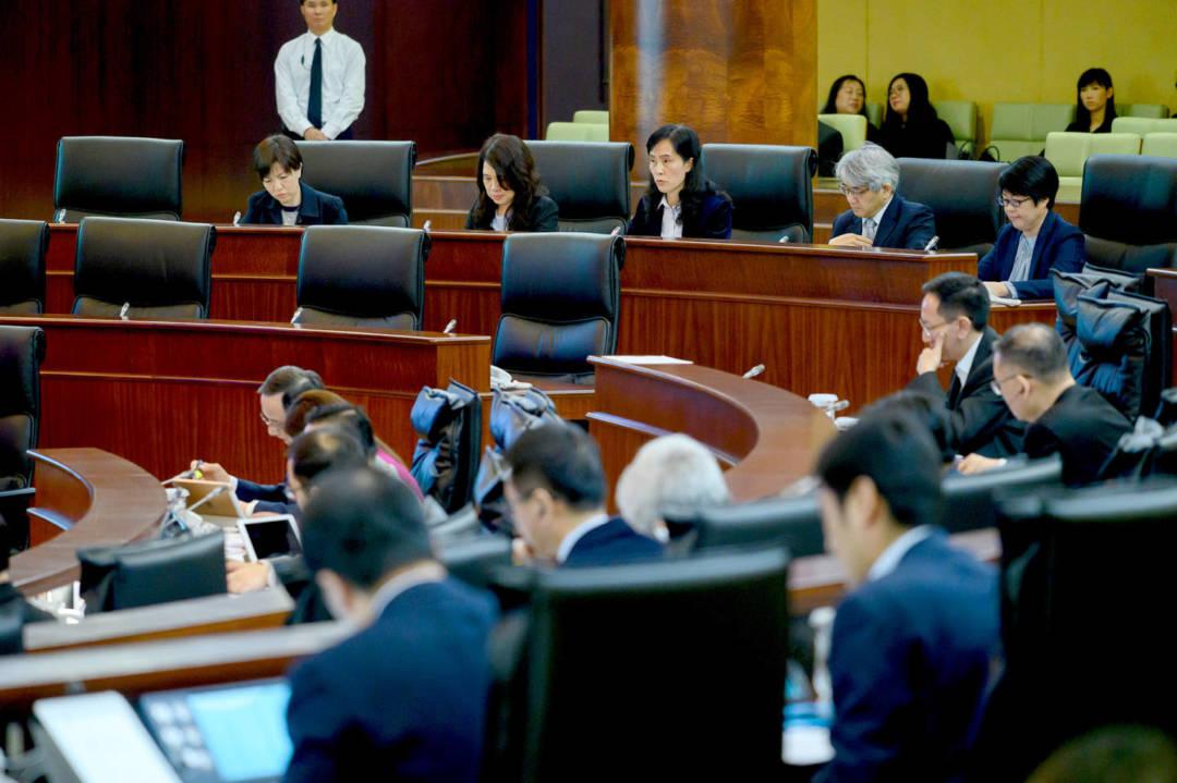 立法會舉行全體大會,社會文化司司長歐陽瑜回應由議員提出的口頭質詢。